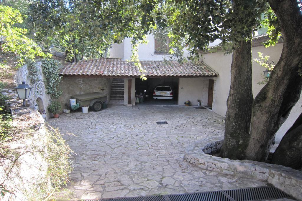 villa 004